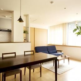S邸・こだわりの書斎スペースがあるリビング (LDK)