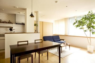 LDK (S邸・こだわりの書斎スペースがあるリビング)