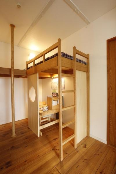 個々のスペース(子供スペース) (S邸・のぼり棒付きの楽しいロフトベッド!)