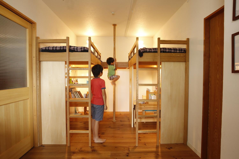 S邸・のぼり棒付きの楽しいロフトベッド!の部屋 のぼり棒