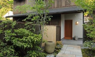 新緑のアプローチ|『米倉』二階堂Y邸