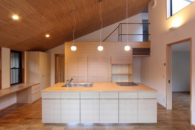 『米倉』二階堂Y邸 (勾配天井のアイランドキッチン)