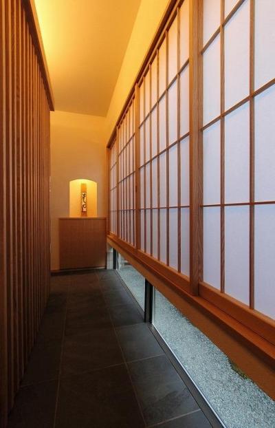 地窓のある廊下 (『米倉』二階堂Y邸)