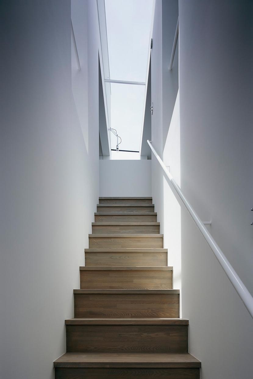 スキマノイエの部屋 階段1