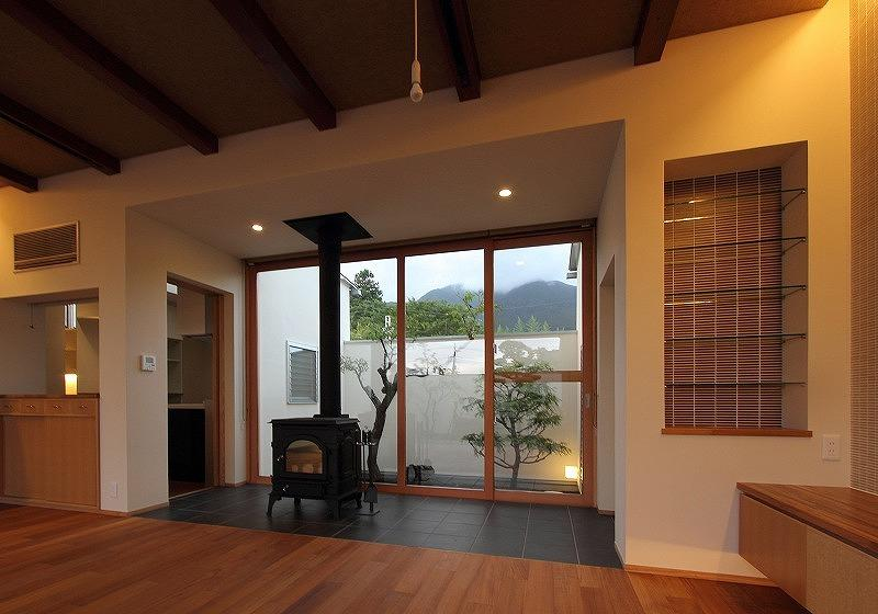 Yokono ARKの部屋 中庭と薪ストーブのあるLDK 3