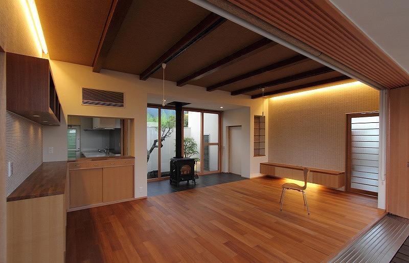Yokono ARKの部屋 中庭と薪ストーブのあるLDK 2