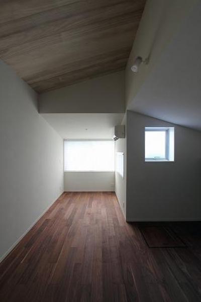 屋根裏部屋 (桜台の呼吸する家)
