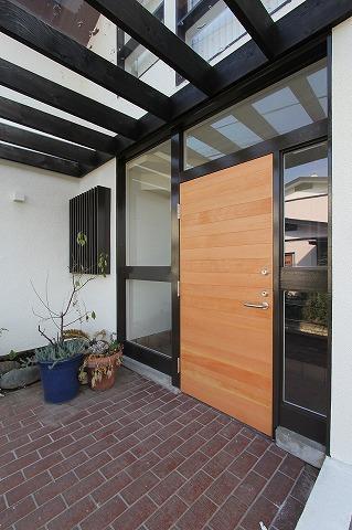 桜台の呼吸する家の部屋 玄関
