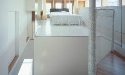 格子の家 (ベッドスペース)