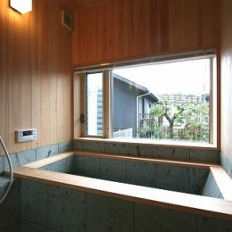 SKY FIELD HOUSE (十和田石の浴槽)
