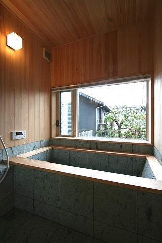 SKY FIELD HOUSEの部屋 十和田石の浴槽