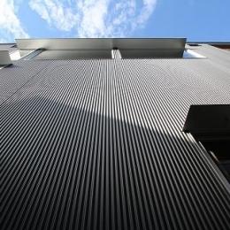 ガルバリウム鋼板小波板の外壁