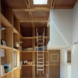 格子の家 (子供部屋)