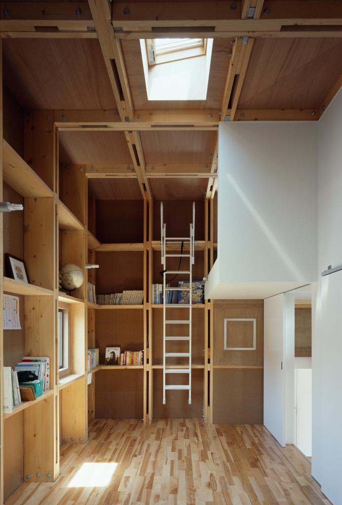 建築家:富永哲史「格子の家」