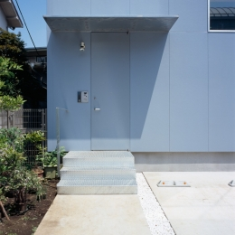 格子の家-玄関