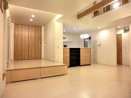 OTARU Y HOUSE (リビングと小上がりの和室)