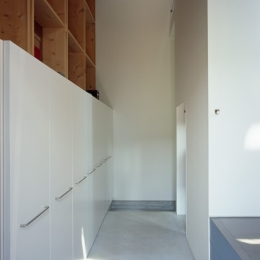 格子の家-玄関ホール
