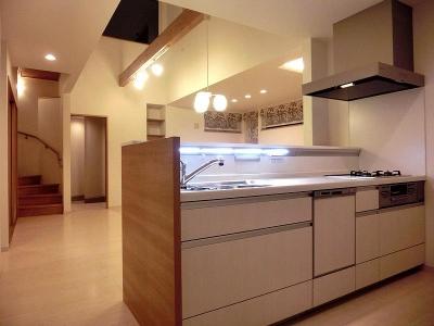OTARU Y HOUSE (収納たっぷりのキッチン)