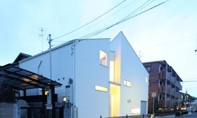伊丹市 K邸 (白い個性的な外観)