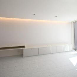 伊丹市 K邸 (収納たっぷりの白いリビング)