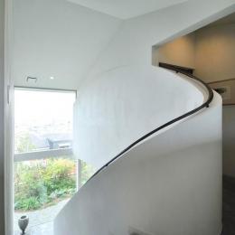 芦屋の家-個性的な階段の手すり