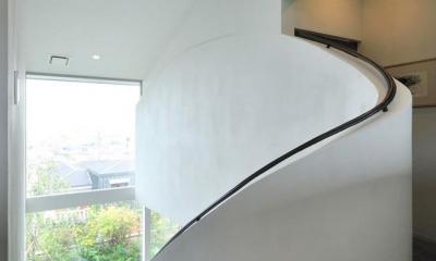 芦屋の家 (個性的な階段の手すり)