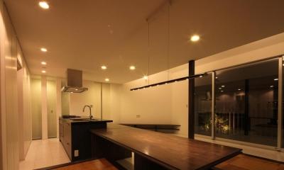 伊丹市 S邸 (ダイニングテーブル付きのキッチン)