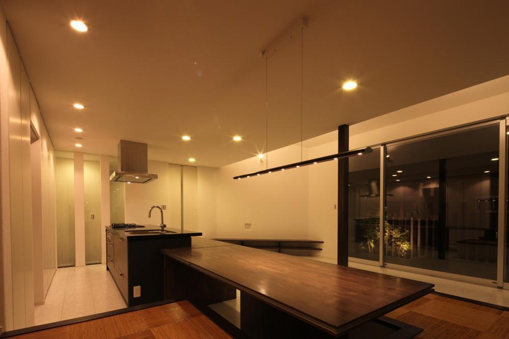伊丹市 S邸の部屋 ダイニングテーブル付きのキッチン