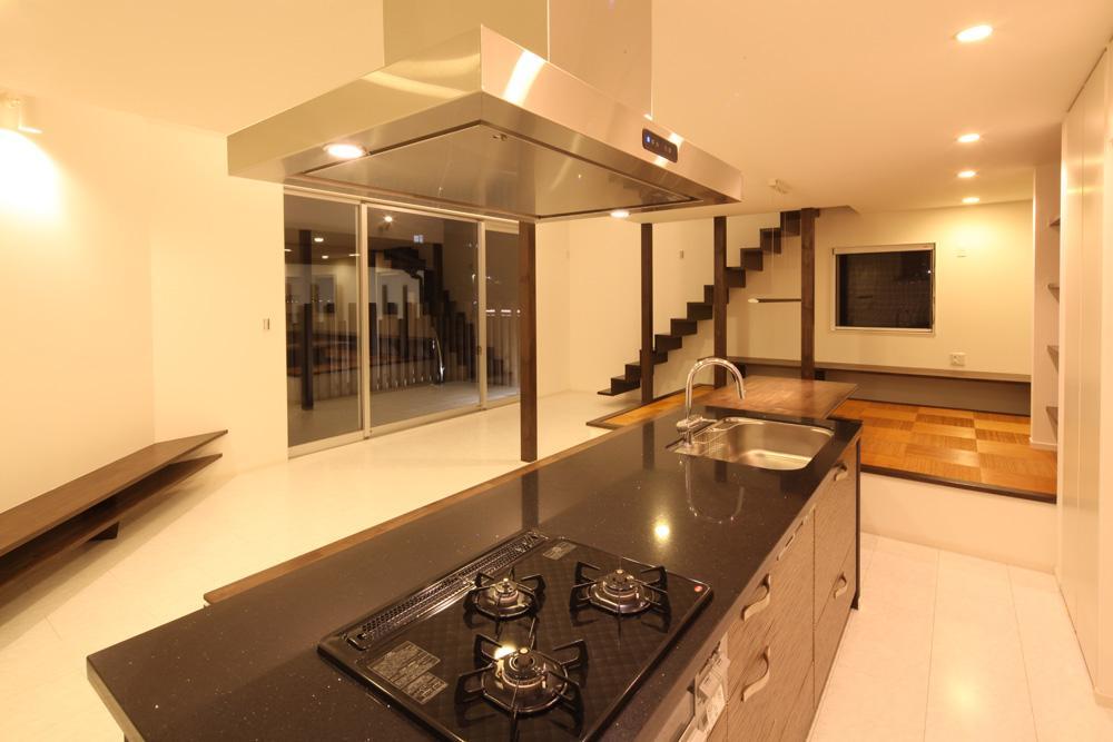 伊丹市 S邸の部屋 広々としたキッチン