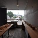 1Fは絵画や陶芸等の展示やイベントスペース
