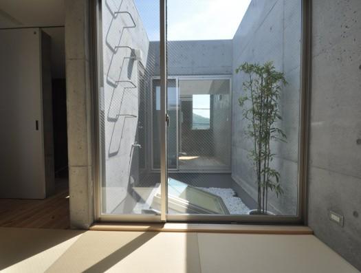 ギャラリーのある家の部屋 3階にある中庭