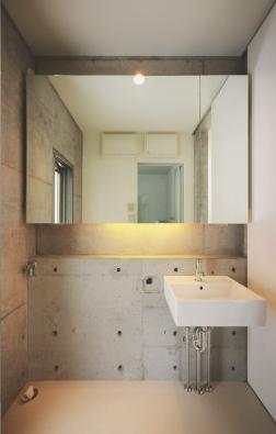 ギャラリーのある家の部屋 おしゃれな洗面所