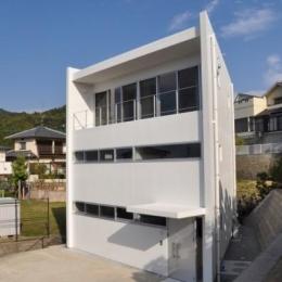 オーシャンビューの家 (三角形の形状の外観)