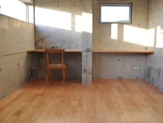 オーシャンビューの家の部屋 光が差し込む空間