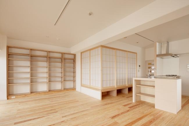東京都大田の家の写真 ガラス障子で仕切られた畳コーナー・LDK