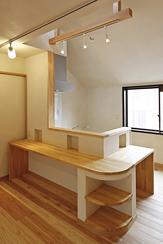 東京都練馬の家の部屋 カウンターテーブルのあるミニキッチン