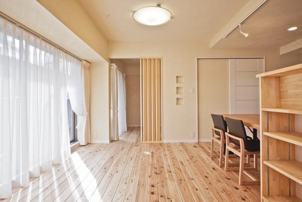 埼玉県さいたまの家の部屋 陽の差し込む明るいLDK