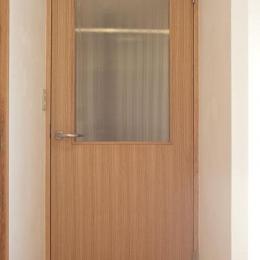 天然材のドア