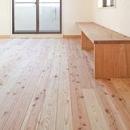 東京都世田谷の家・杉の無垢材と漆喰に包まれた家族が繋がる温かな住空間
