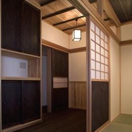 埼玉県日高の家・保田與重郎邸をイメージした和の魅力が溢れる家 (和室と板間の繋がり 3)