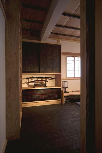 埼玉県日高の家・保田與重郎邸をイメージした和の魅力が溢れる家の部屋 書斎