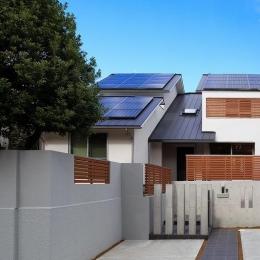 南大阪の家② (太陽光パネルのある外観)