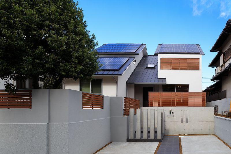 南大阪の家②の部屋 太陽光パネルのある外観