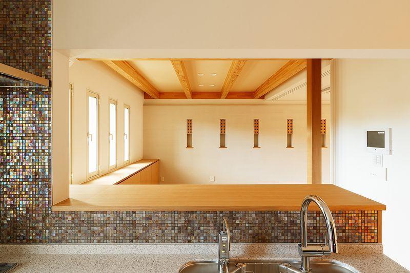 南大阪の家②の部屋 モザイクタイルのキッチン