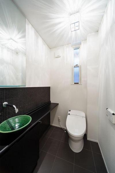 南大阪の家② (明るいトイレ)