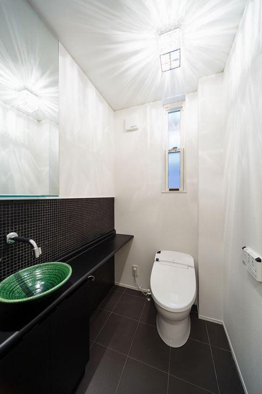 南大阪の家②の部屋 明るいトイレ