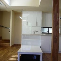 浜甲子園の家 (白を基調としたダイニングキッチン)