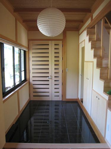 支配人の家の部屋 玄関