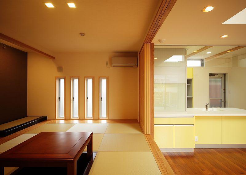 IN・EX・PLUSの部屋 掘りごたつのある小上がりの和室