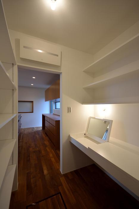blumeの部屋 キッチンの隣の収納スペース